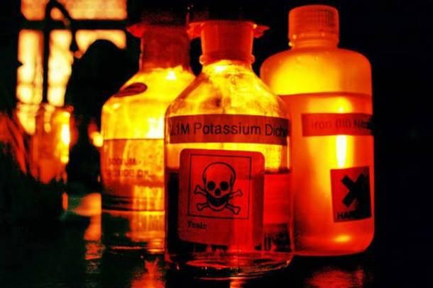Что не доставляют посредники из США - Запрет на опасные вещества.