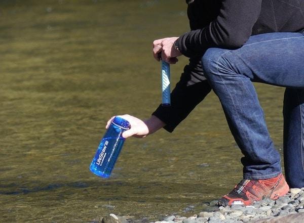 Бутылка с антибактериальным фильтром для воды LifeStraw