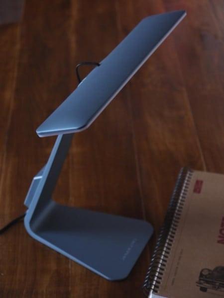 Стильная настольная лампа Ramcent с автономным питанием