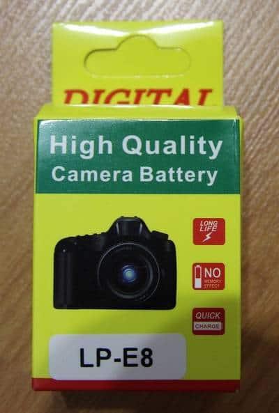 Аккумулятор для фотоаппарата Canon и поляризационный светофильтр с Aliexpress - упаковка аккумулятора