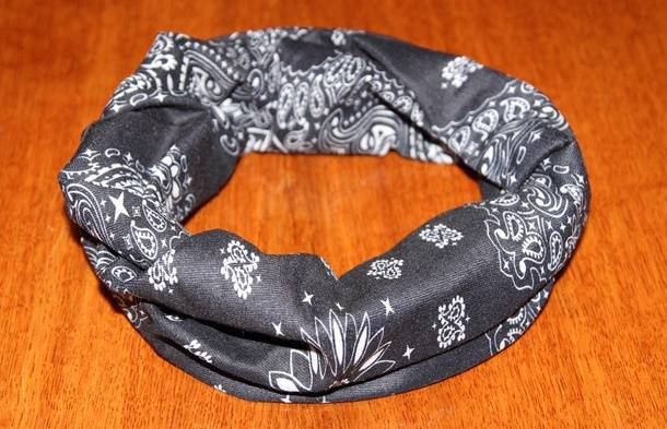 Свёрнутый платок