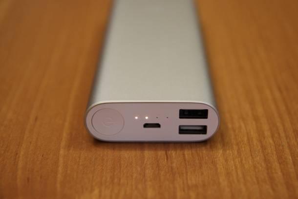 Внешний аккумулятор Xiaomi для подзарядки гаджетов