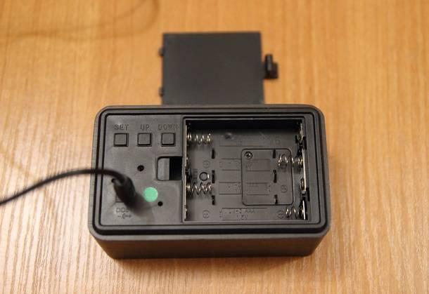Батарейный отсек настольных часов с Aliexpress