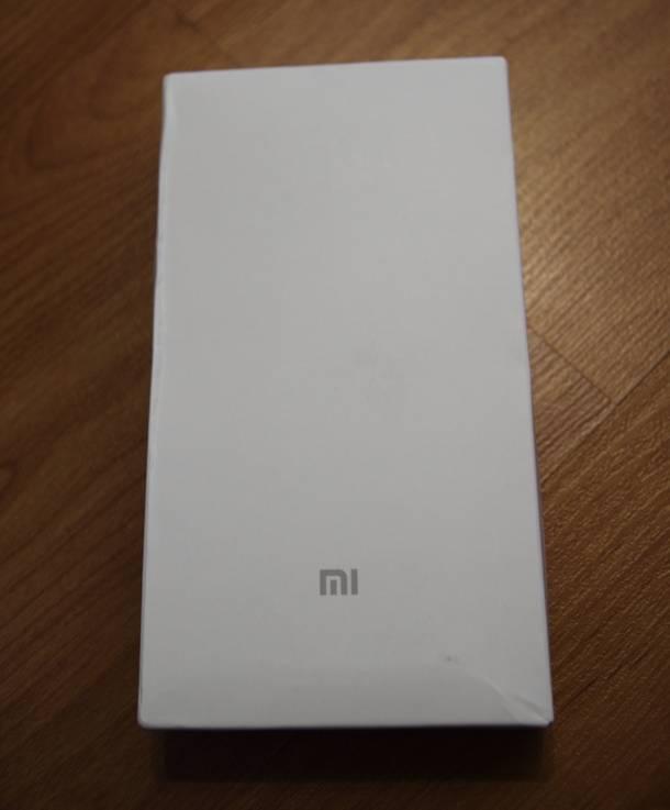 Картонная коробка аккумулятора Xiaomi, купленного на BangGood