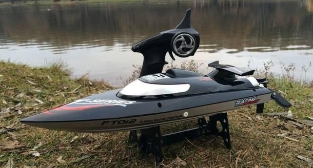 Радиоуправляемая модель катера с GearBest