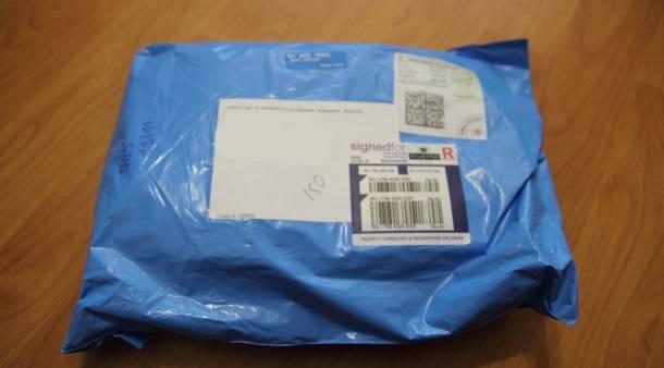 Пакет, в котором пришла обложка для паспорта с британского Amazon.co.uk