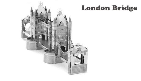 Наборы для сборки моделей известных строений из металла