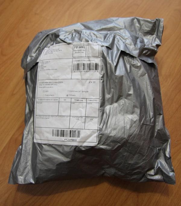Упаковка настольной лампы с BangGood.com