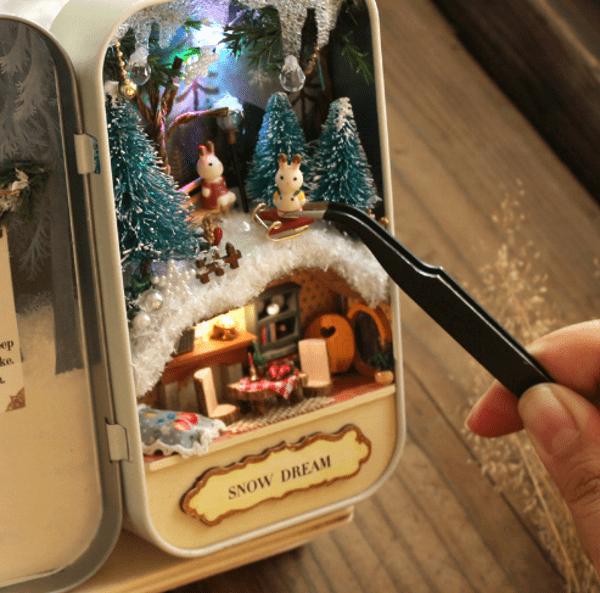 Кукольный домик в жестяной коробке с Aliexpress