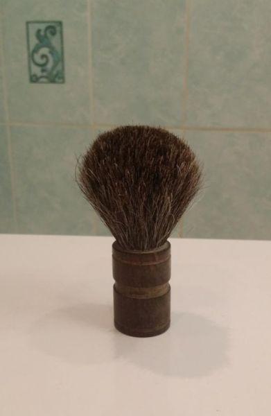 Обзор обычного помазка, который превратился в исчерпывающий гайд по мужскому бритью
