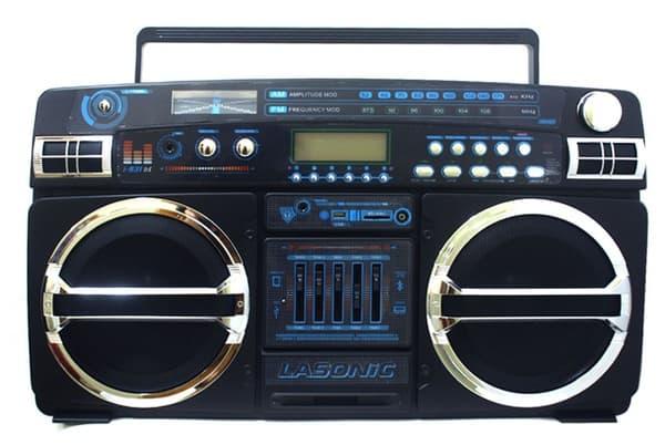 Кассетная магнитола с современной начинкой, купленная на eBay