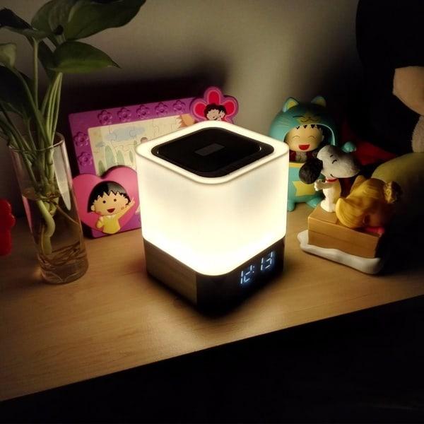 Bluetooth-колонка, лампа и будильник в одном устройстве
