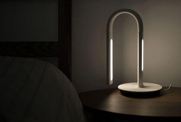 Двухсторонняя настольная лампа от Philips и Xiaomi