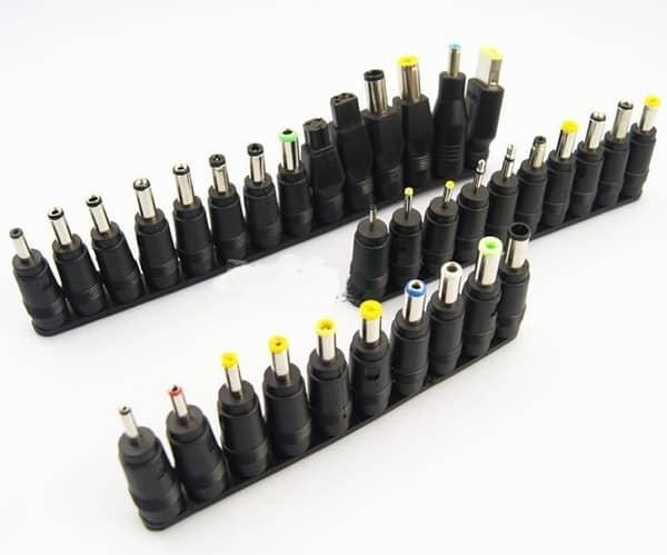 Комплект штекеров питания для различных моделей ноутбуков