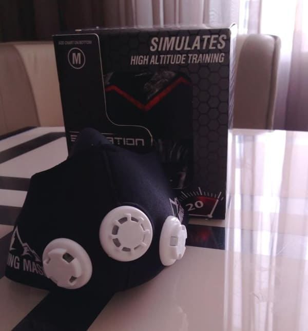Спортивная маска для тренировки дыхания