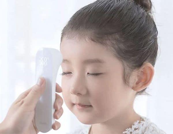 Бесконтактный термометр Xiaomi с GearBest