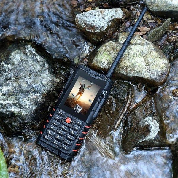 Аутдорный телефон-рация iOutdoor T2