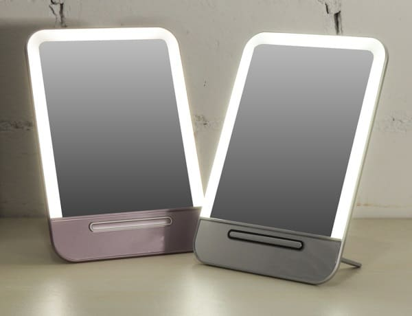 Зеркальце с подсветкой и зарядкой по USB
