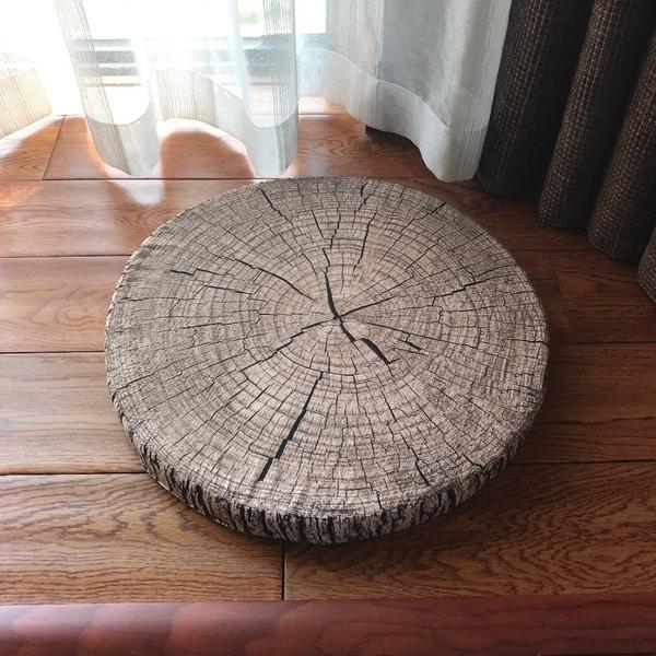Подушка в виде деревянного блина