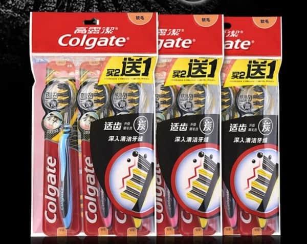 Угольные зубные щётки Colgate, купленные на JD