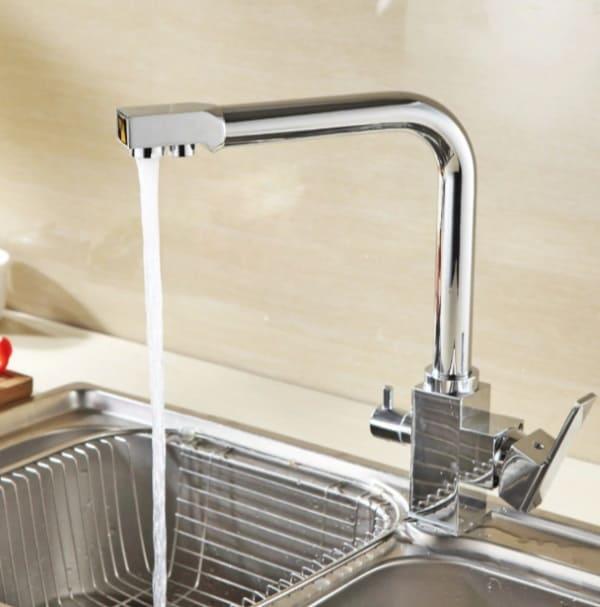 Смеситель с регулятором для подачи питьевой воды