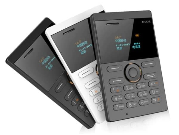 Кнопочный телефон размером с кредитку iFcane E1