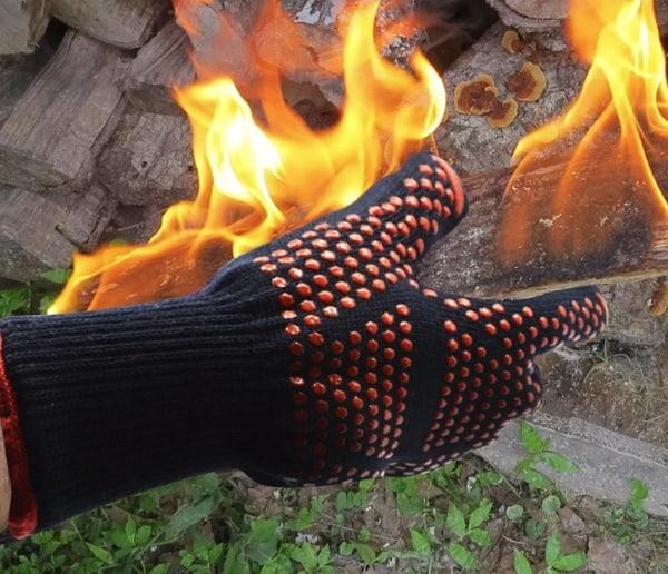 Перчатки для работы с горячими материалами
