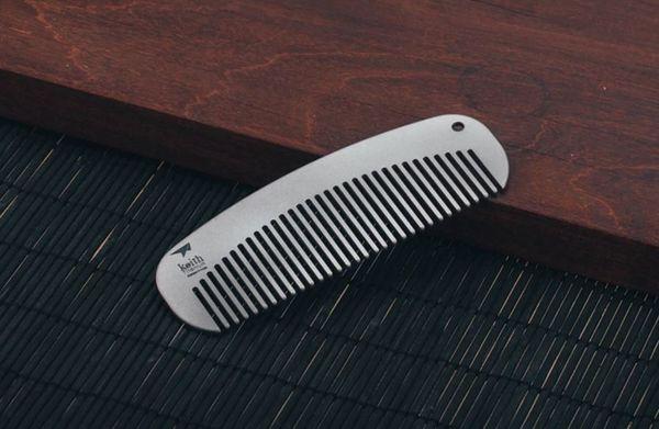 Титановая расчёска Keith, купленная на Aliexpress