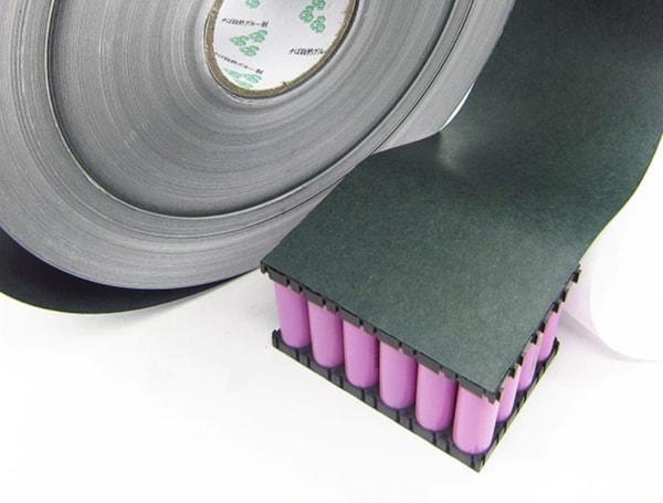 Клейкий материал для термоизоляции аккумуляторов